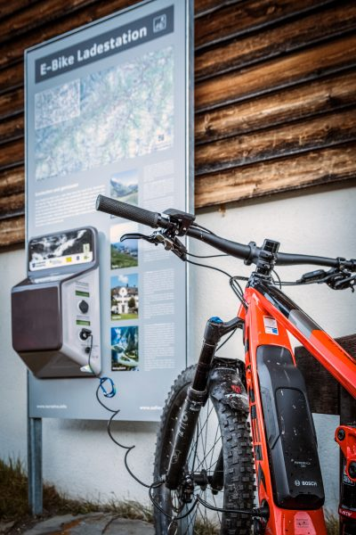 Surselva, E-Bike, E-MTB, Mountainbike, Reise, Flims, Schweiz, Mountainbiking, Mountainbike-Urlaub, Mountainbike Magazin, world of mtb, Reisebericht, E-Power, Bike-Sport, Mountainbiken, Mountainbiker, eMountainbike, AllMountain, Mountainbike Magazin