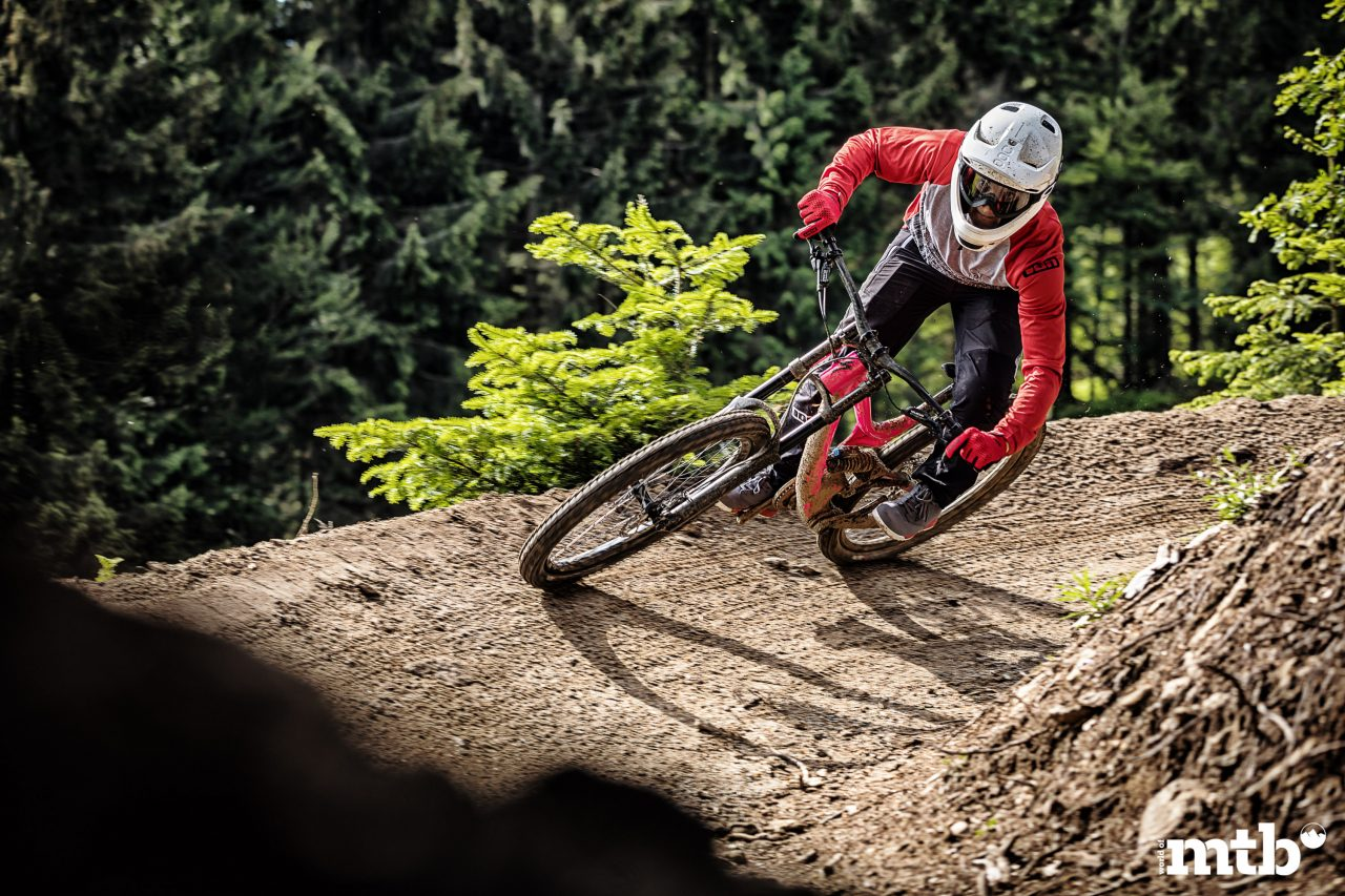 Test: SPECIALIZED DEMO 8 I ALLOY MTB 2018, Enduro, Gravity, Downhill, DH, Fully, Biketest, Mountainbike Magazin, world of mtb, MTB