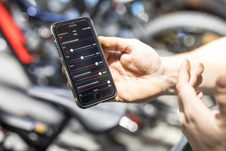E-bike, ebike, Bike, Wissenswertes, Akku, Display, Know How, world of mtb, Magazin, Pflege, Wartung, Verschleiß, Check, Bremse, e-mtb, Lithium-Ionen, Batterie, Lithium, Ionen, Wattstunden, Wh, Kapazität, Kauf, Beratung, Kaufberatung, Händler