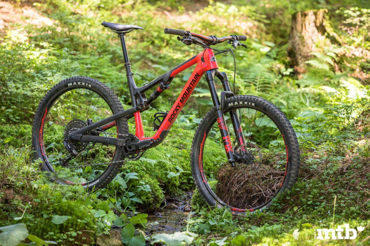 Test, ROCKY MOUNTAIN THUNDERBOLT CARBON 90 BC EDITION, MTB, Tour, Trail, All Mountain, Enduro, Fully, Biketest, Mountainbike Magazin, world of mtb, MTB
