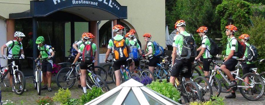 world of mtb, world of mtb Magazin, worldofmtb, Bike, Bike-Sport, Biker, Bikerinnen, Mountainbiker, Mountainbike, Mountainbiken, Bike Urlaub, Alpencross, Alpen, Bike-Transalp, Transalp, Jugend, Projekt, Alpenüberquerung, Radsport, Fahrrad, Monatsfrau, Kurvenreich, Frauen
