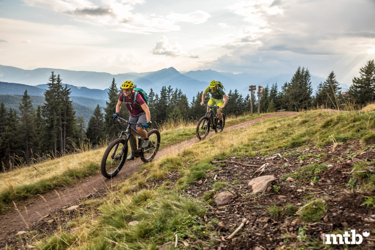 world of mtb, world of mtb Magazin, worldofmtb, Mountainbike Magazin, MTB, Bike, Fahrrad, Rennrad, Bike-Sport, Radsport, Bikerin, Biker, Bikerinnen, Mountainbikerin, Mountainbiker, Mountainbike, Mountainbiken, Mountainbiking, Enduro, All-Mountain, Trail, Flow Trail, Singletrail, Biketour, Region, Vinschgau, Meran, Reise, Reisebericht, Antrieb