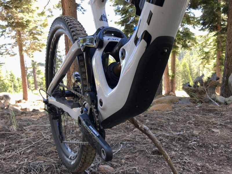 Test: Specialized S-Works Enduro, Unterrohr, Protektor