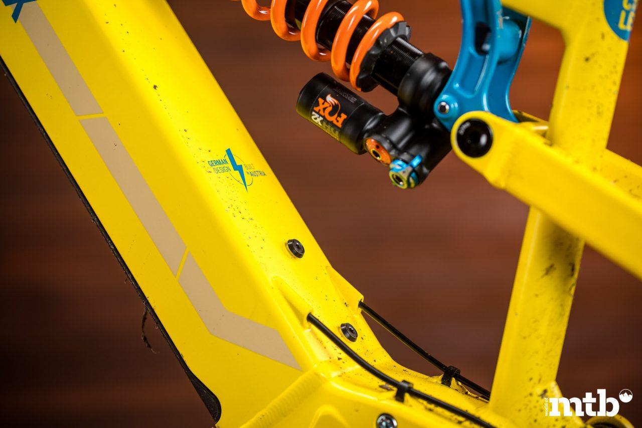 Test: Nox Hybrid 7.1 Enduro Pro E-Bike 2020 Federbein, Flaschenhalter