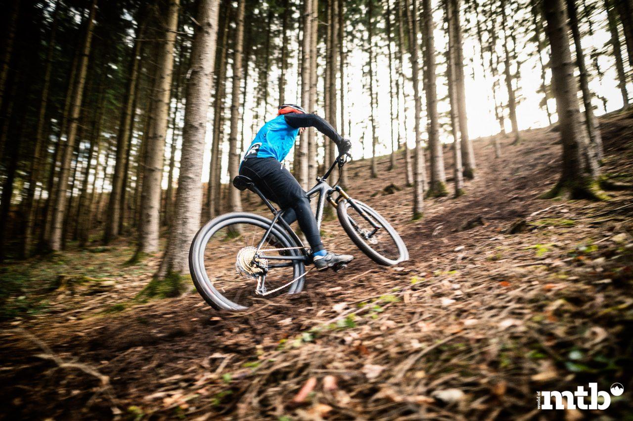 SPECIALIZED--S-WORKS EPIC HARDTAIL ULTRALIGHT XC Biketest 2020