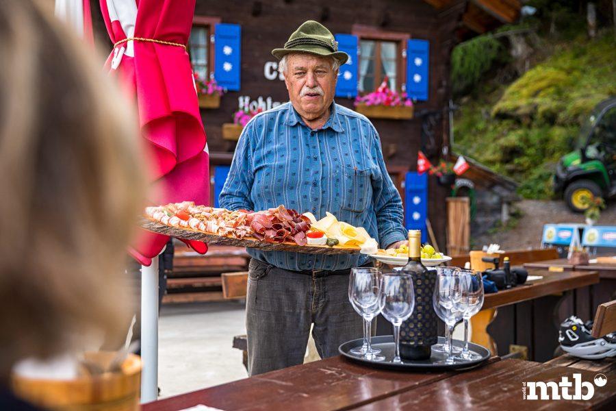 Wer kennt die besten Trails des Wallis Zmittag Café Hohtschuggen Suonenweg