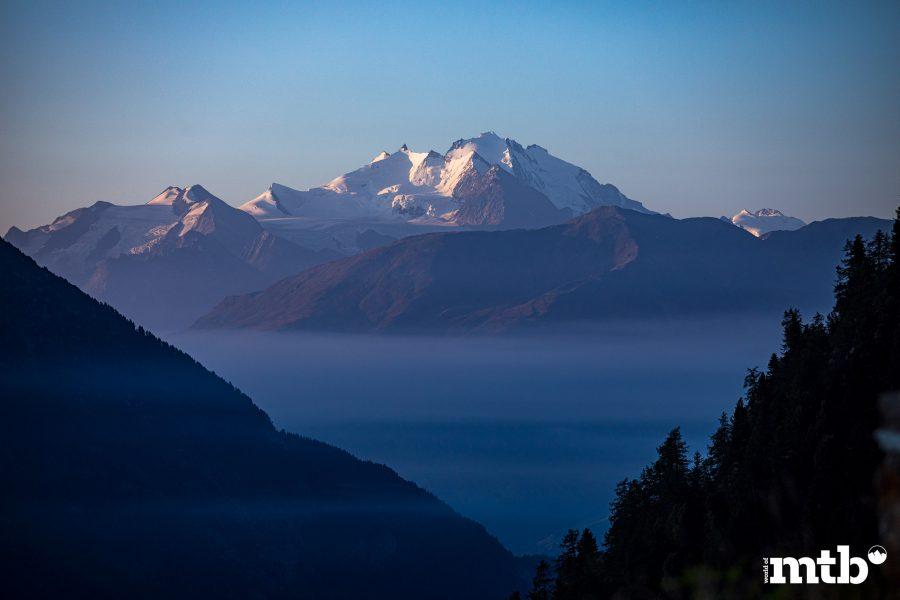 Höhenweg Trails und der schönste Campingplatz des Wallis Aussicht