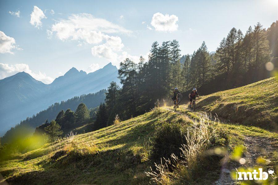 Höhenweg Trails und der schönste Campingplatz des Wallis Flow Trail
