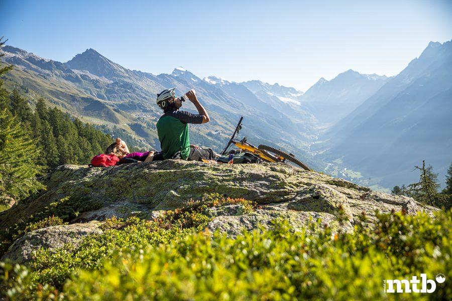Höhenweg Trails und der schönste Campingplatz des Wallis Pause