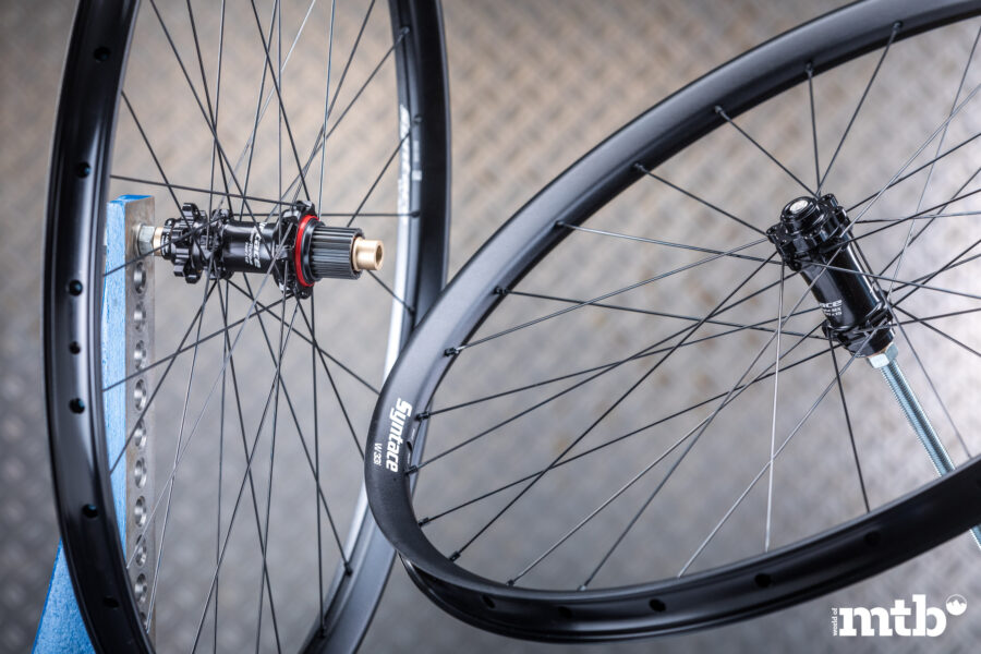 SYNTACE W33i Straight Alu Wheelset