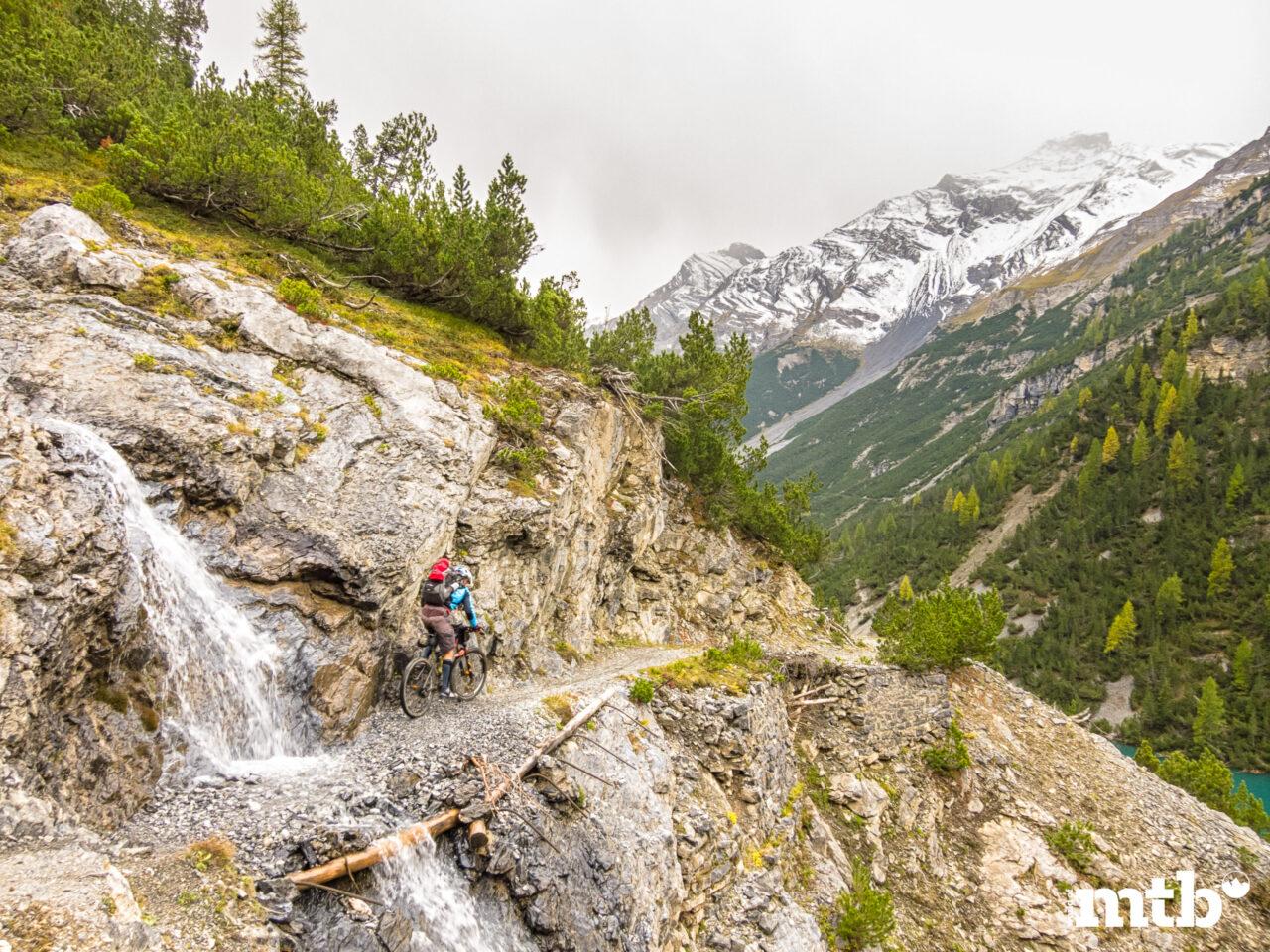 Winter Transalp im Zelt Gebirgsbach