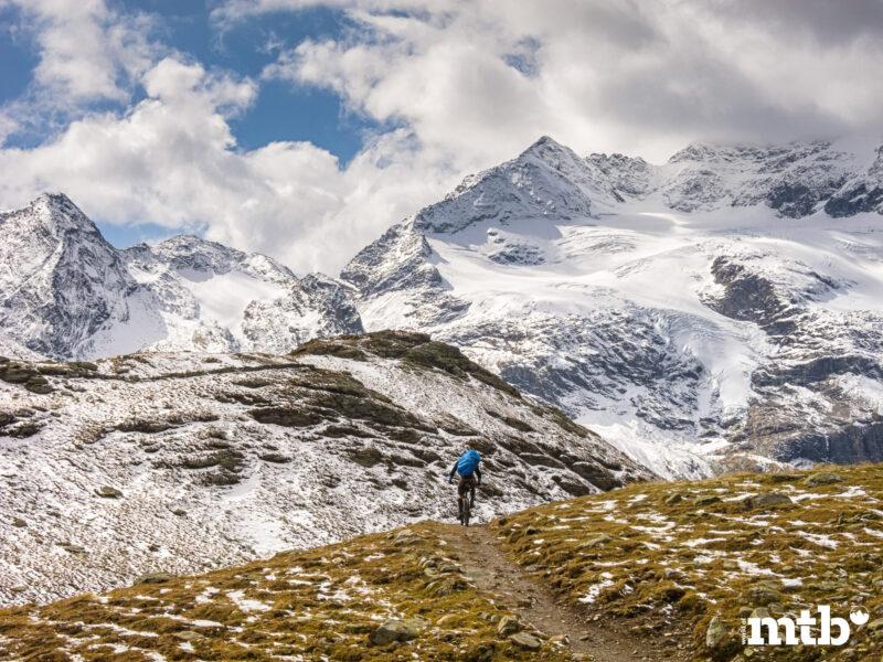 Winter Transalp im Zelt Palügletscher